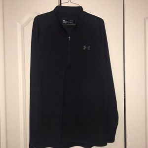 NWOT Black Under Armour Loose Heat Gear Pullover